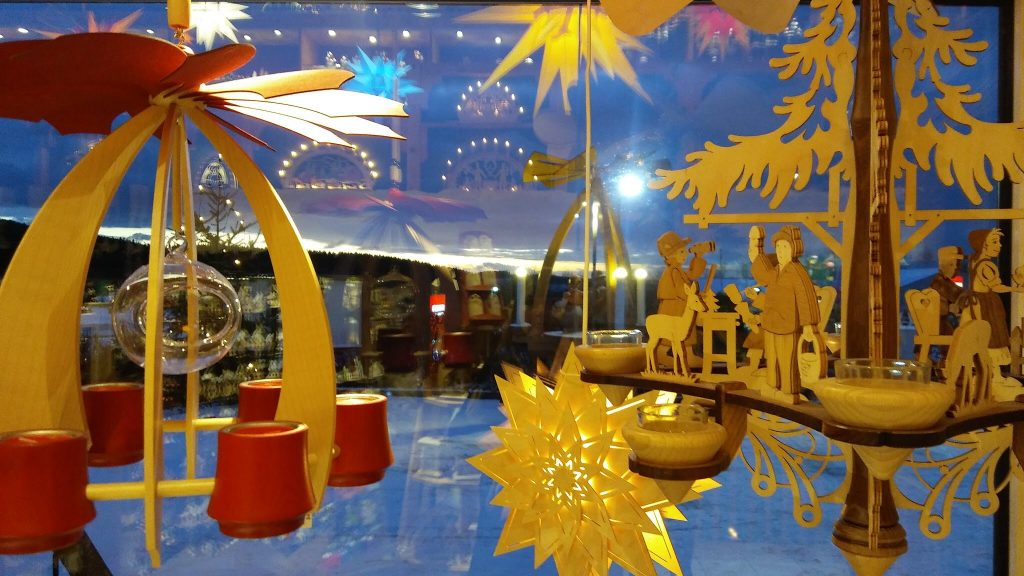 Winter in Germany: decorations sold at Kuhnert in Rothenkirchen